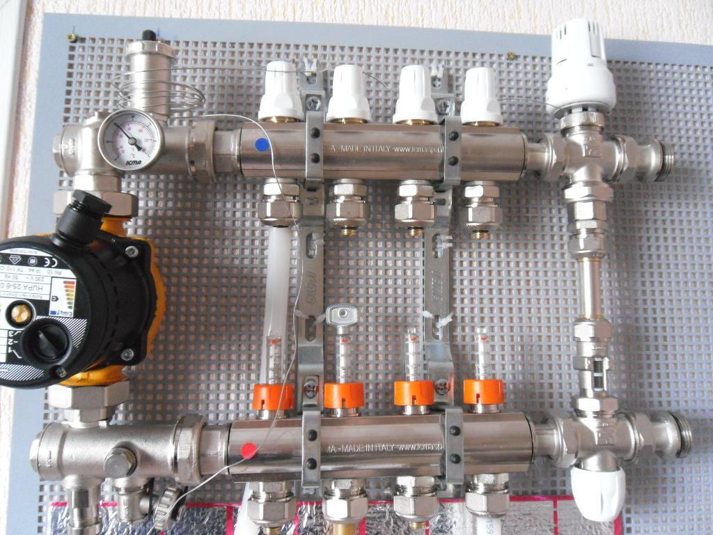 Узел стыковки системы водяного пола с отоплением