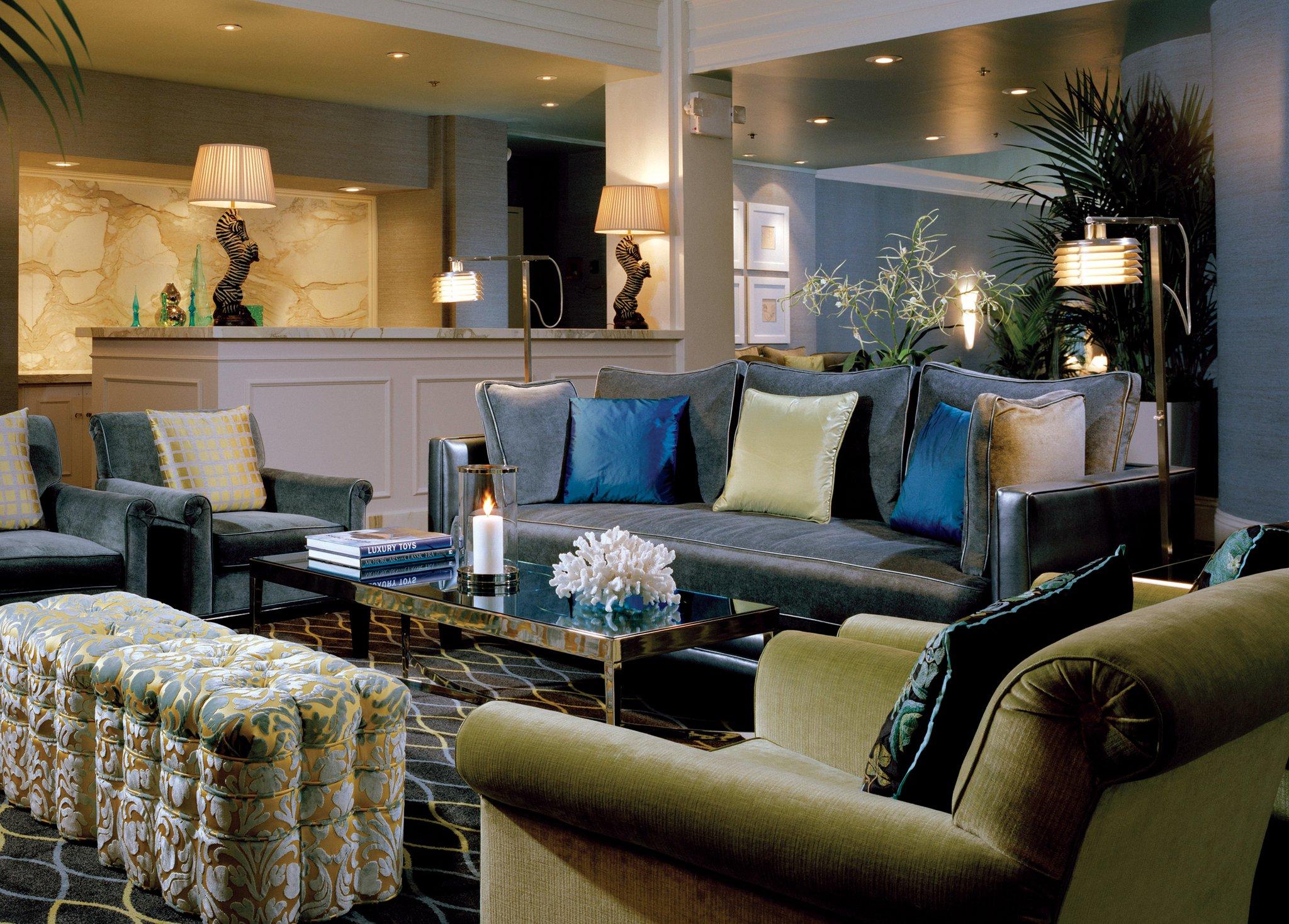 Обстановка небольшого гостиничного холла