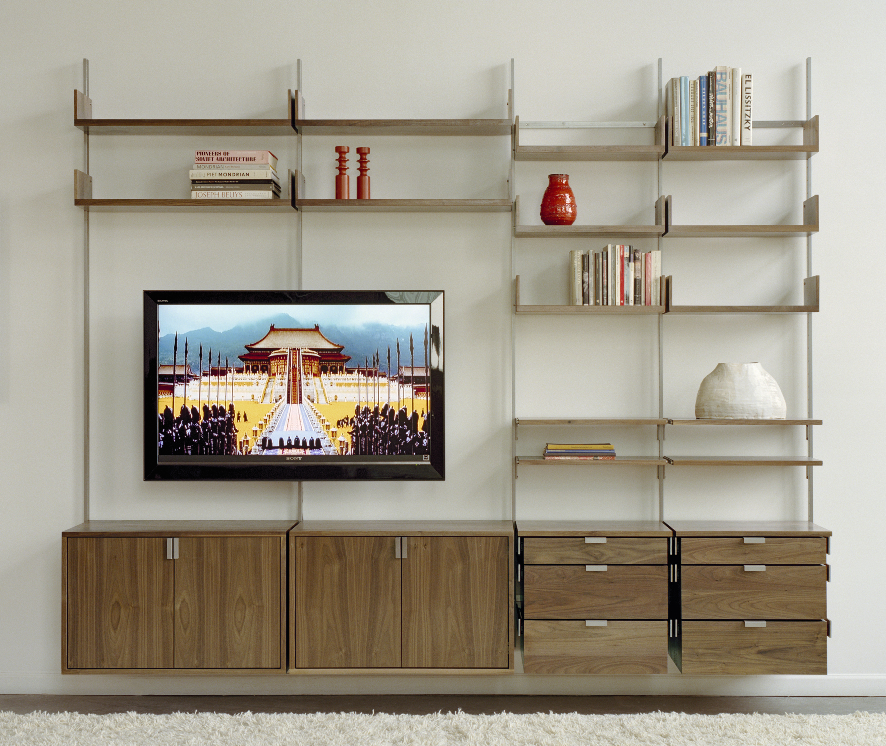 Стенка из модулей в гостиной современного стиля фото
