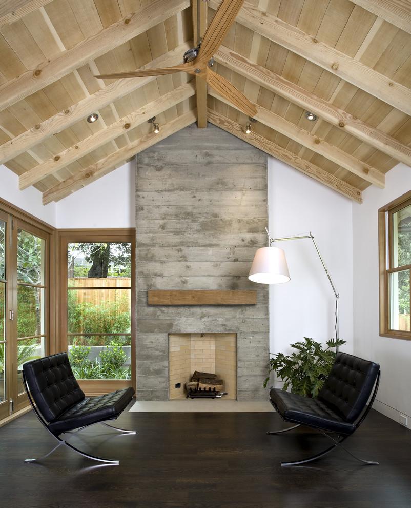 Такая форма делает потолок выше