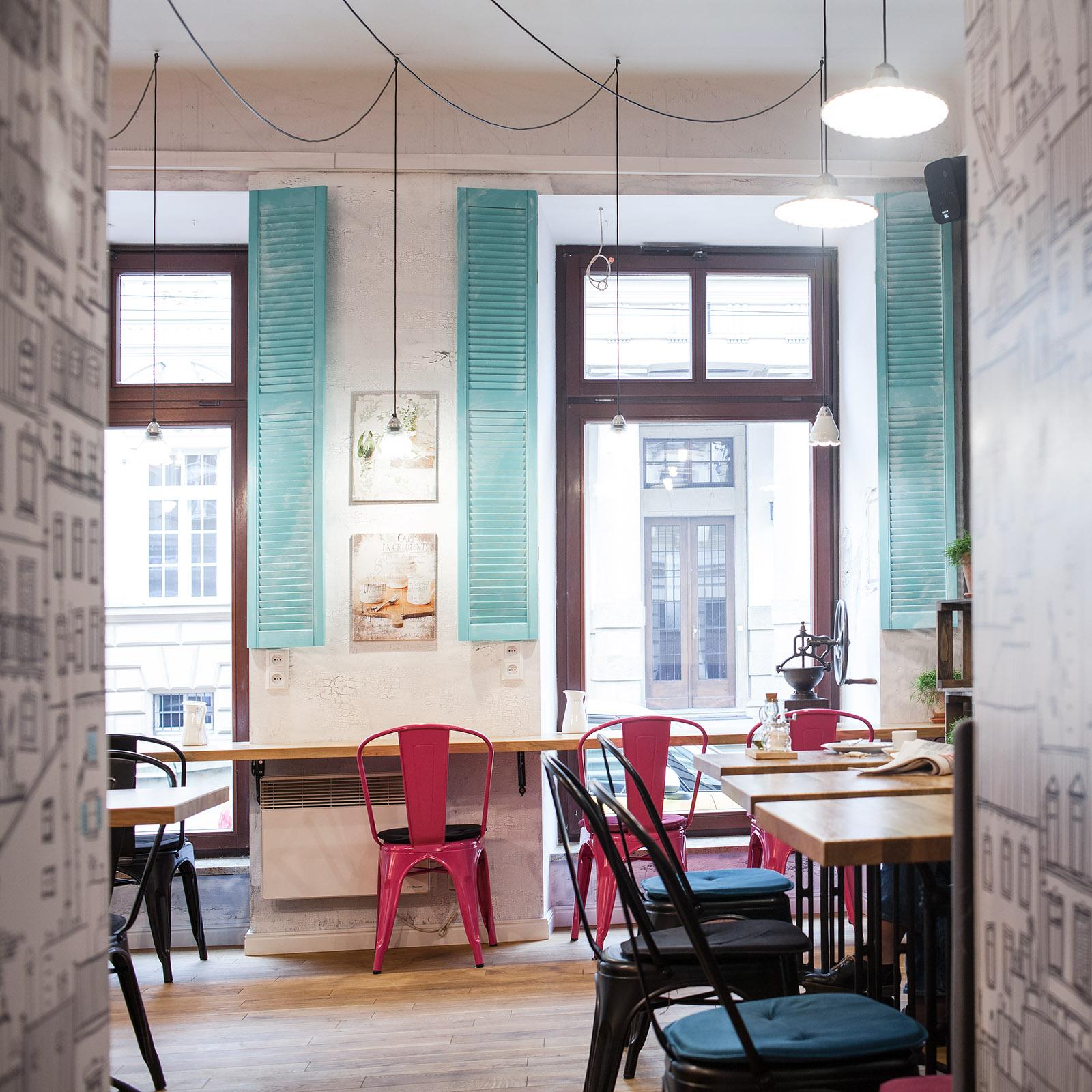 Французский прованс в интерьере кафе