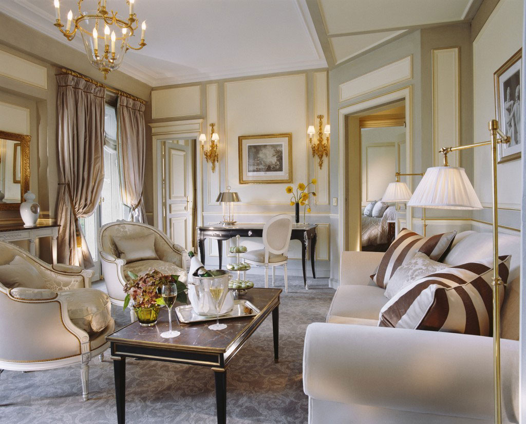 Обстановка комнаты в стиле романтизм