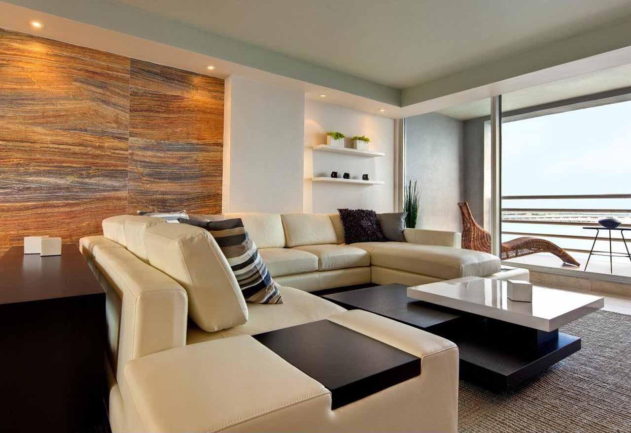 Дизайн интерьера просторной квартиры с большими окнами и высокими потолками