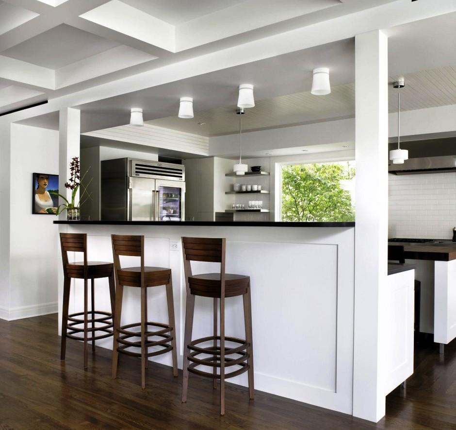 Оригинальный потолок в кухне из гипсокартона
