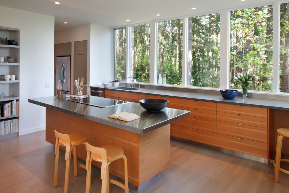 Стильный интерьер кухни с окном Оригинальные идеи дизайна