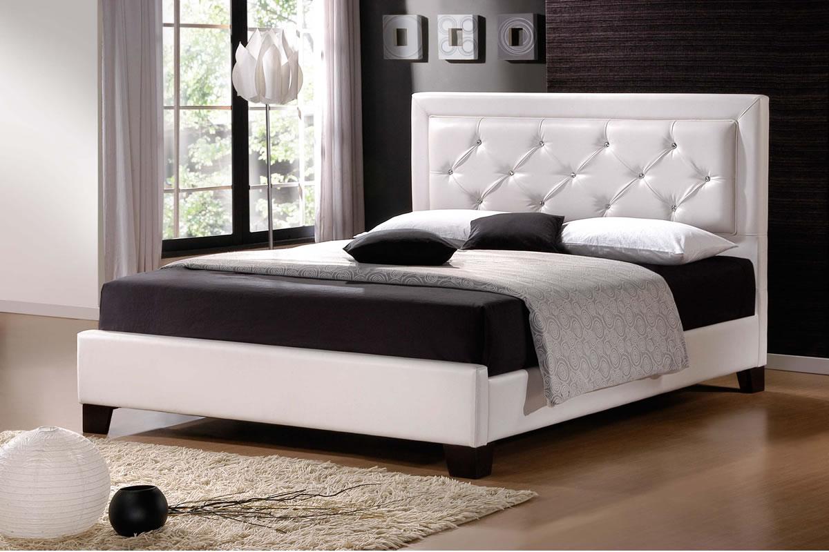 В спальне стиля модерн должны преобладать натуральные цвета, отделка, материалы