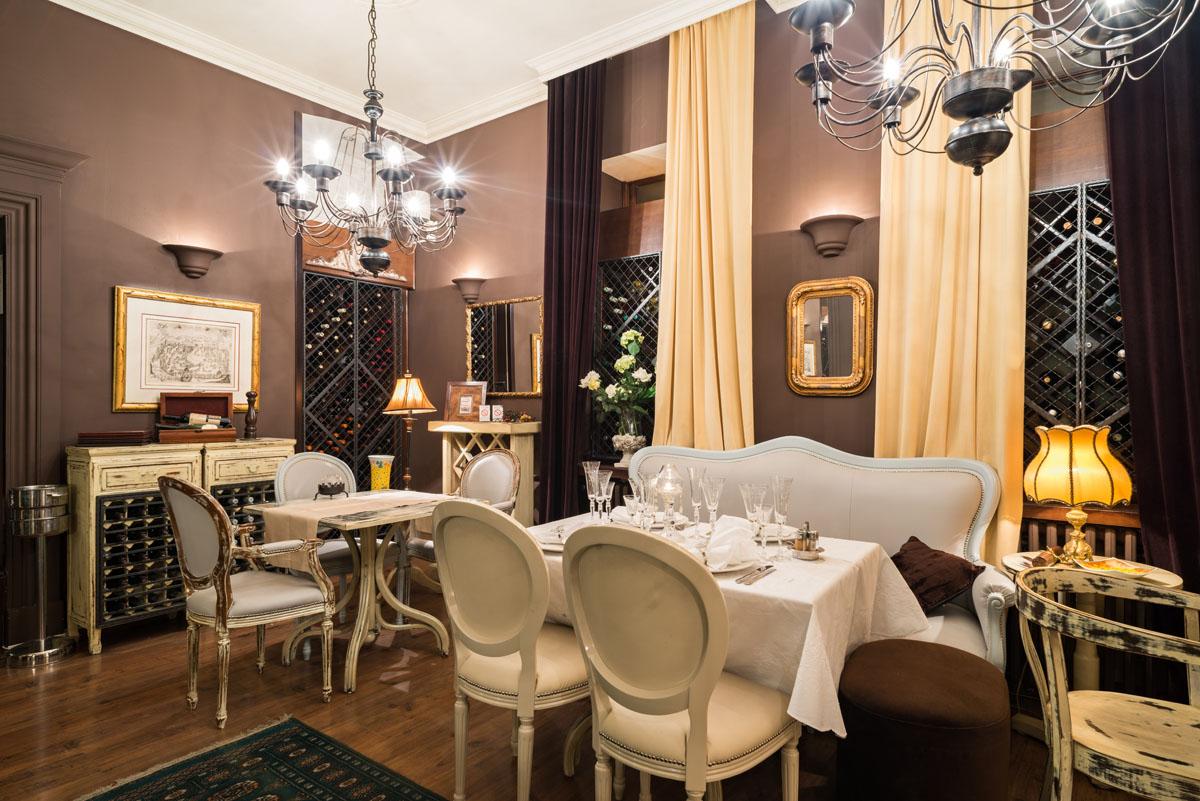 Классический стиль интерьера в ресторане