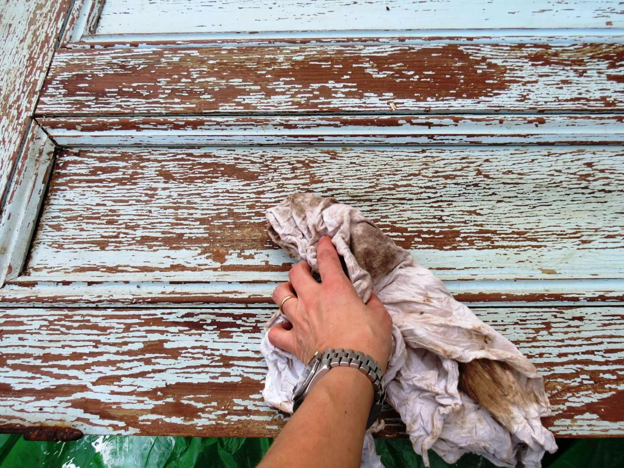Подготовка старой двери к декорированию
