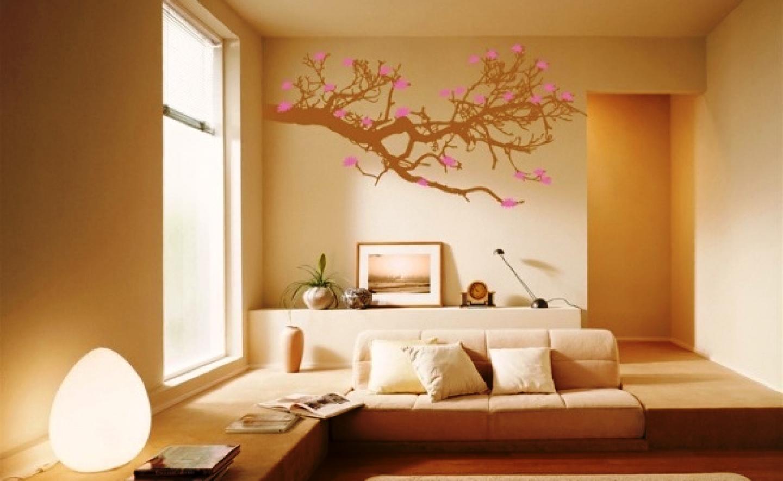 Рисунок красками на стене