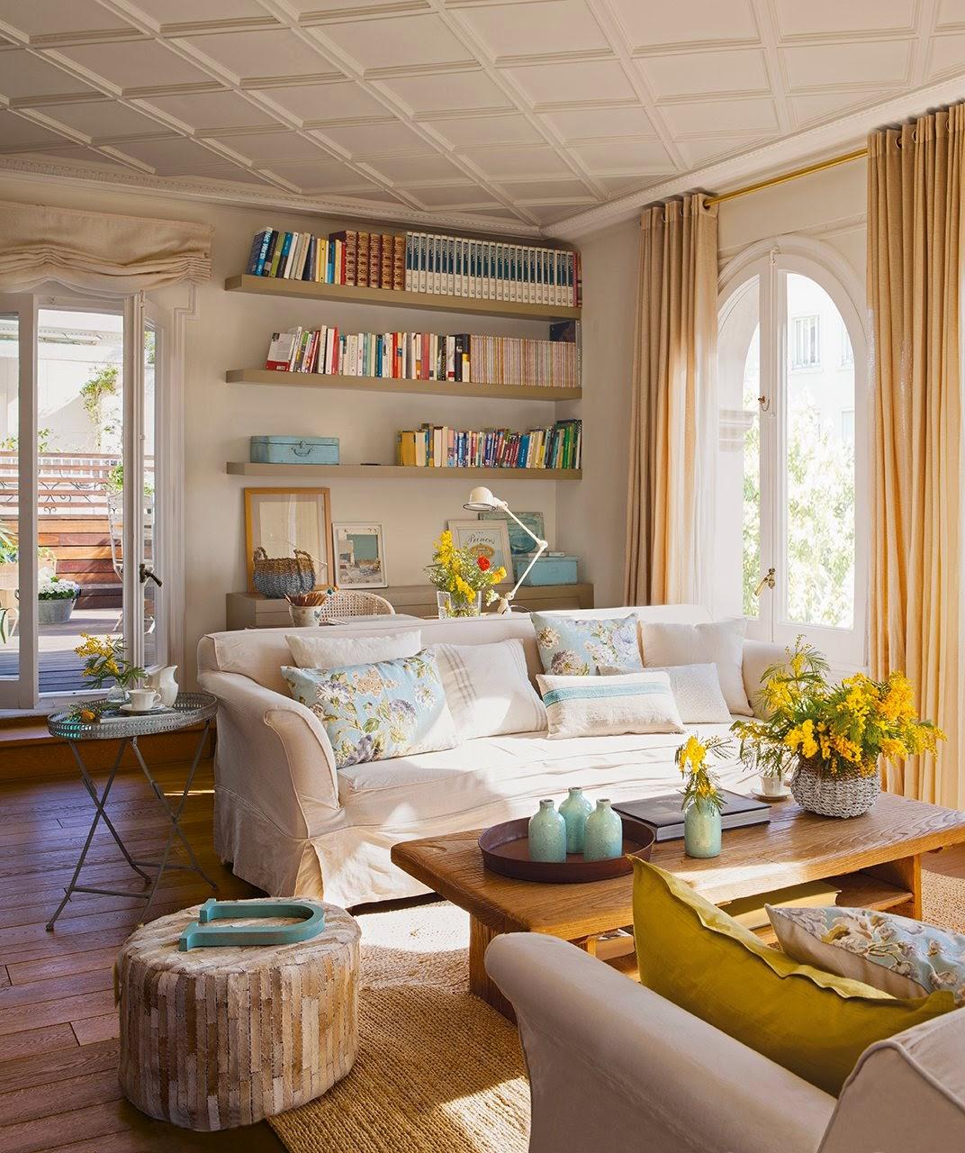 Гостиная в стиле романтик располагает к спокойному отдыху, чтению, релаксации