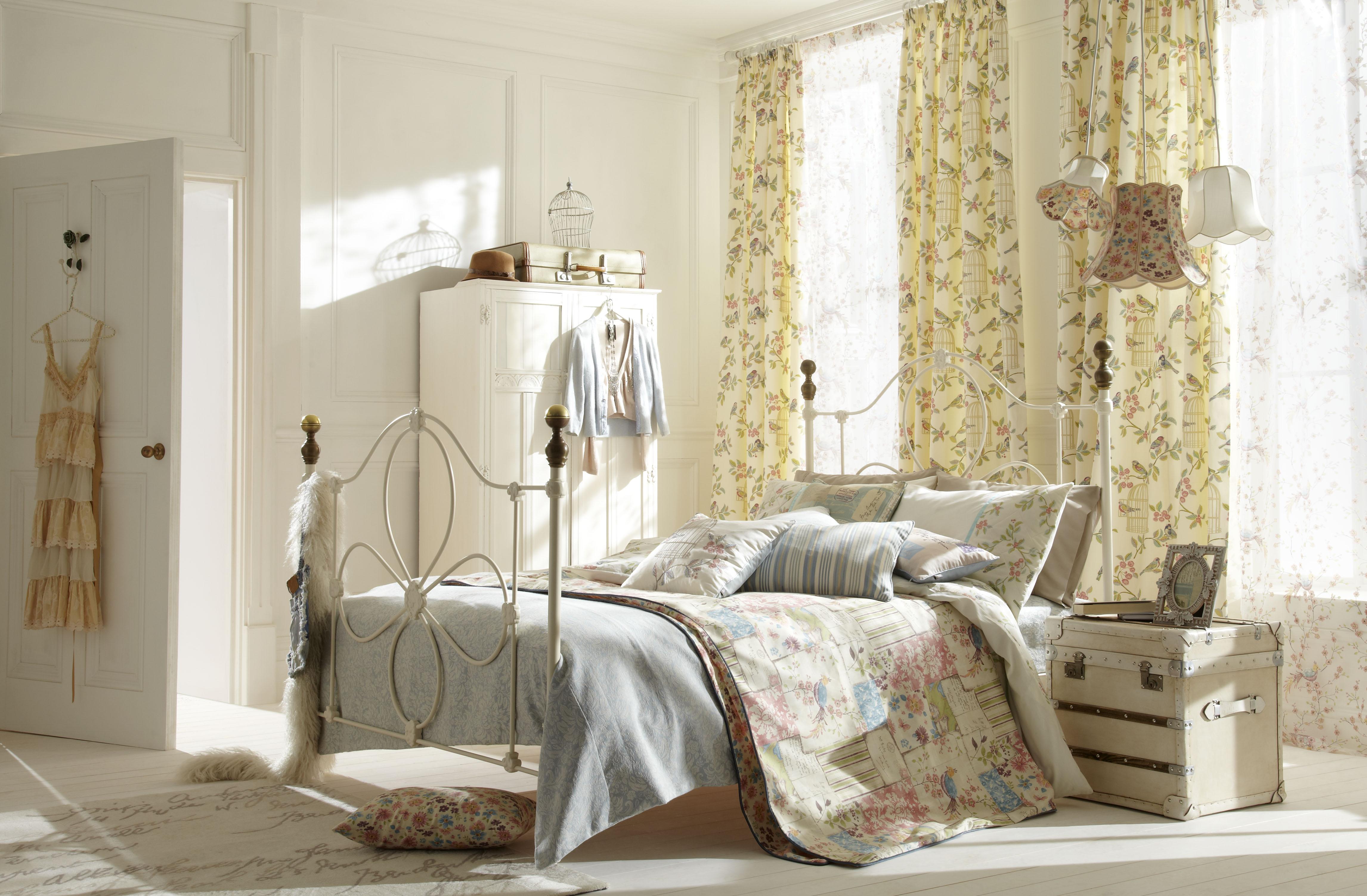 Гармоничный дизайн комнаты в стиле романтизм