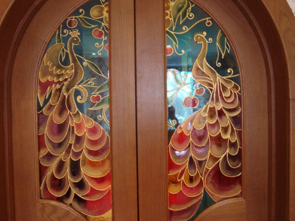 Витражная техника на дверном стекле