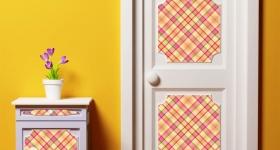 Как декорировать старую дверь