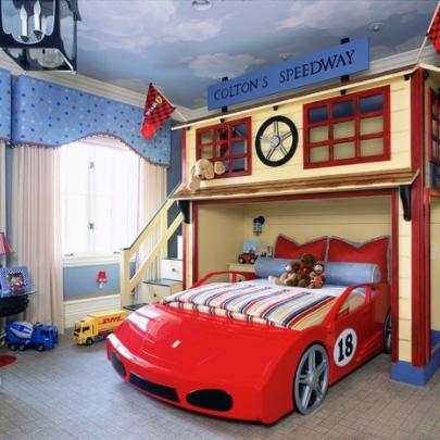 Детская кровать в виде машины фото