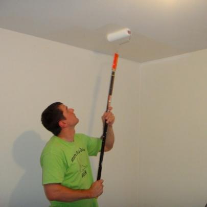 Покраска потолка фото