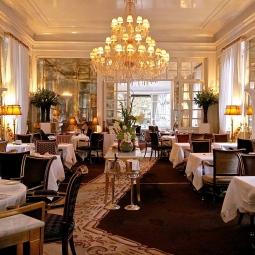 Ресторан в классическом стиле
