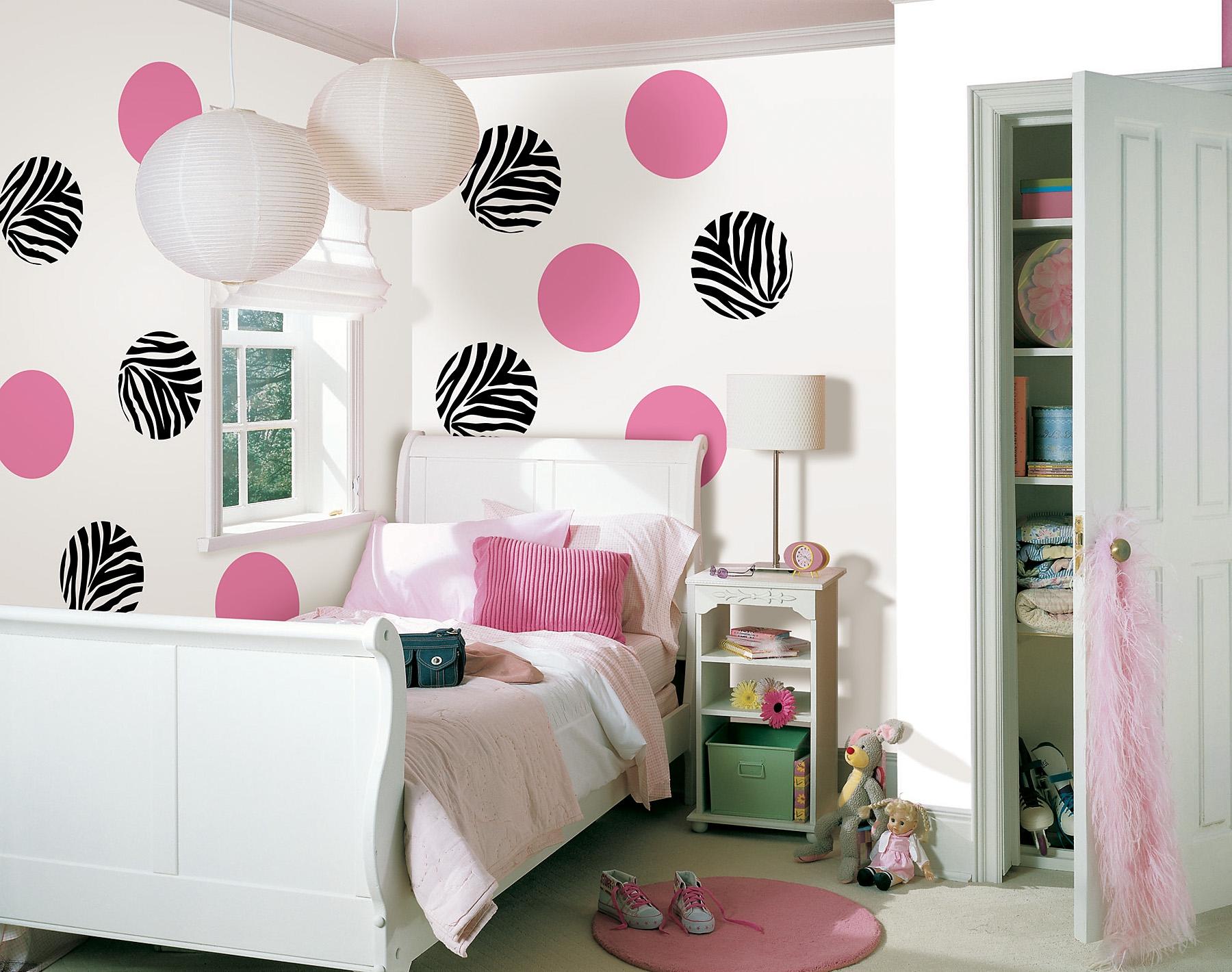 Гармоничное сочетание цветов очень важно в комнате девочки