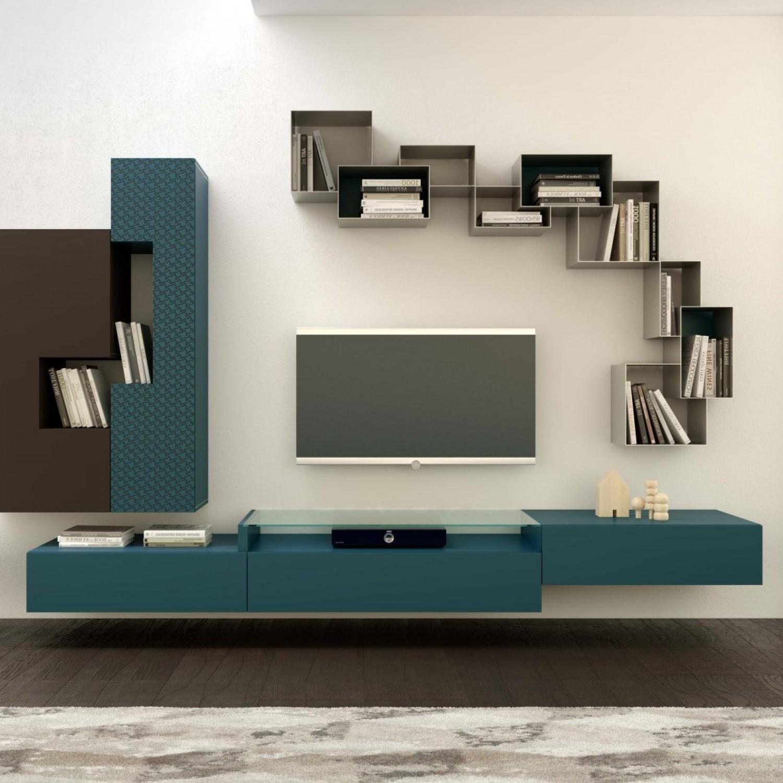 Интересный вариант расположения модульных секций на стене гостиной